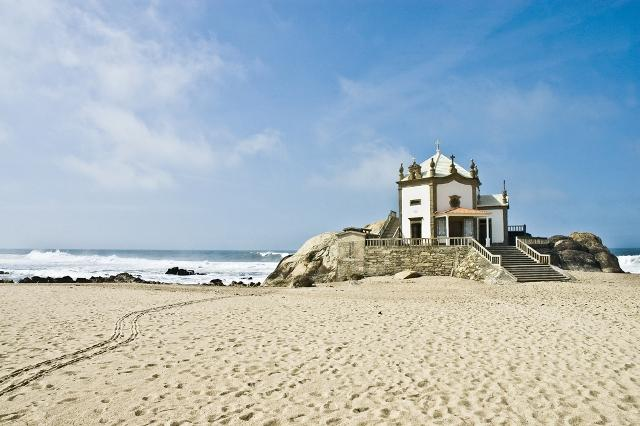 5-best-beaches-in-portugal-you-didnt-know-existed-ponta-de-miramar-auto-europe