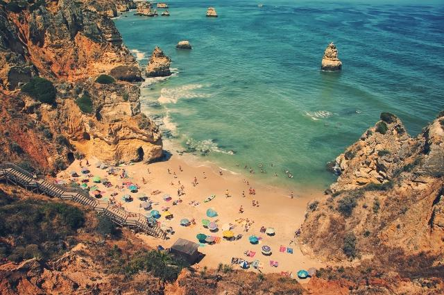 5-best-beaches-in-portugal-you-didnt-know-existed-praia-de-castelo-auto-europe