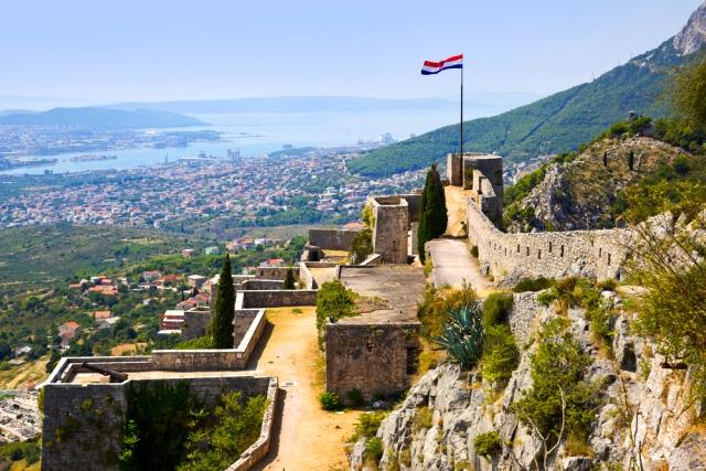 The walls of the Klis Fortress, location of Daenary's Fortress in GoT.