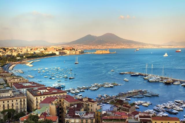 5-reasons-vacation-naples-experience-italy-auto-europe