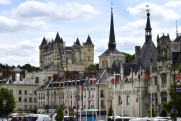 Saumur Bars, Restaurants & Nightlife