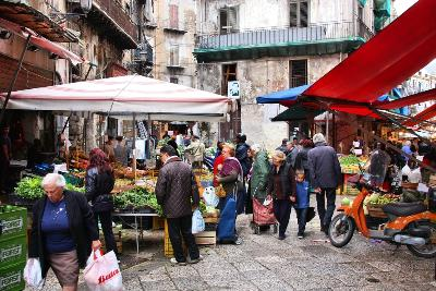 Attractions in Sicily: Palermo's Historic Markets